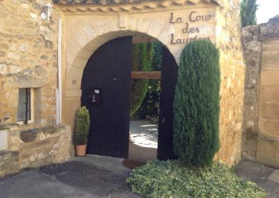 La Cour des Lauriers entrance